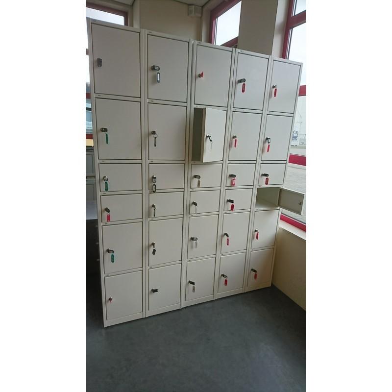 Garderobe/lockerkast 6 deurtjes